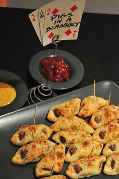 Playing card food signs casino party foods, casino night food, game night f Party Food Themes, Casino Party Foods, Casino Theme Parties, Party Ideas, Party Snacks, Party Appetizers, Theme Ideas, Decor Ideas, Healthy Recipes