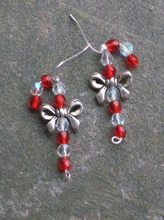 beads jewelry making Beaded Christmas Ornaments, Christmas Crafts, Xmas, Christmas Candy Cane Decorations, Diy Christmas Earrings, Christmas Spider, Diy Ornaments, Felt Christmas, Bead Crafts