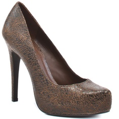I rarely find that I need brown heels, but I looove these