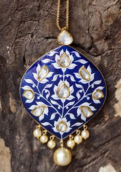 Neelpushpa is a fusion collection of Rajasthani and Turkish art.