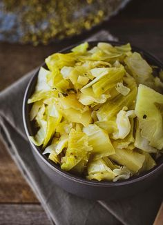 Easy Instant Pot Cabbage made in 5 minutes with only 5 ingredients. A delicious vegan, simple, oil-free, and healthy side dish. Vegan Side Dishes, Vegetable Side Dishes, Side Dishes Easy, Vegan Cabbage Recipes, Vegetable Recipes, Vegetarian Recipes, Pressure Cooker Cabbage, Easy Pressure Cooker Recipes, Cheap Instant Pot