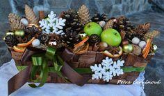 Vánoční truhlík / Prodané zboží prodejce Černínová Petra | Fler.cz Christmas Decorations, Table Decorations, Petra, Floral, Home Decor, Decoration Home, Room Decor, Flowers, Home Interior Design