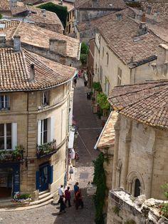Saint Emilion village France 10276_428665517191654_274616363_n.jpg (700×933)