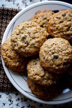 oatmeal chocolate chip cookies | movita beaucoup