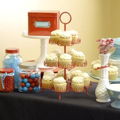 cup cakes and a party table