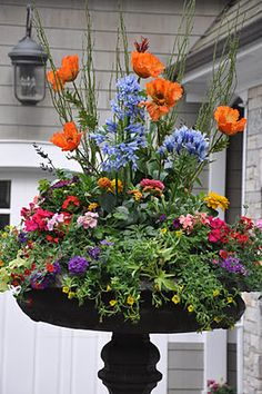 Early summer urn by Serendipity Refined: Favorite projects - Early 2011