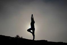 Los pantalones para yoga femenino son realmente la solución para la práctica de esta actividad. La e...