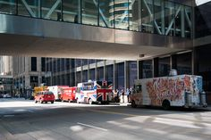 Food truck on 2nd Avenue at lunchtime.  Photo: Courtesy of Rita Farmer Photography