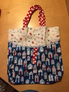 BulliBag - Freebook: sew a foldable shopping bag- BulliBag – Freebook: eine faltbare Einkaufstasche nähen free instructions, sewing instructions for a foldable shopping bag: easy to sew – super practical to fold with a push button - Sewing Dress, Sewing Clothes, Diy Bags Purses, Diy Purse, Sewing Hacks, Sewing Projects, Sewing Tips, Presents For Kids, Purple Bags