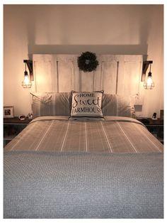 Bedroom Lamps, Home Bedroom, Bedroom Decor, Modern Bedroom, Bed Lamps, Bedroom Ideas, Master Bedroom, Contemporary Bedroom, Bed Side Lamps