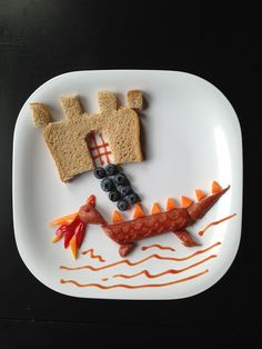 Buggie and Jellybean: Week of lunches with Applegate Day 4 Dragon Dog Food Art For Kids, Fun Snacks For Kids, Kids Meals, Kids Fun, Cute Food, Good Food, Caprese Skewers, Childrens Meals, Snack Recipes