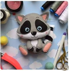 *FELT ART ~ Cute raccoon in felt with molds . I hope you like it. Credits in the pictures . Sewing Toys, Sewing Crafts, Sewing Projects, Felt Crafts, Fabric Crafts, Diy And Crafts, Felt Patterns, Stuffed Toys Patterns, Felt Christmas Ornaments