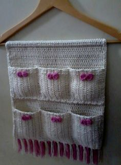 And Lovely Crochet Ideas With Knitting Patterns - Latest ideas information Crochet Home, Crochet Gifts, Cute Crochet, Crochet Baby, Knit Crochet, Crochet Flower Patterns, Crochet Designs, Crochet Flowers, Knitting Patterns