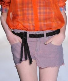 Cinto corda da TNG http://vilamulher.terra.com.br/cintos-inspiracoes-do-fashion-rio-14-1-32-1178.html Foto: reprodução/ FFW