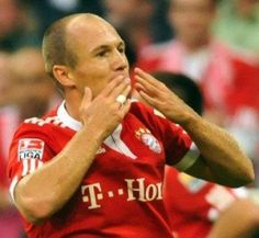 Munich – With the age of just 28 years, Arjen Robben could be looking for a new challenge at another club. But Dutch winger seemed more like to spend the rest of his career at Bayern Munich.