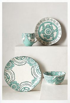 love these patterned plates http://rstyle.me/n/juy5yr9te