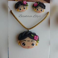 Frida Kahlo Keka❤❤❤ Cute Polymer Clay, Cute Clay, Fimo Clay, Polymer Clay Charms, Handmade Polymer Clay, Polymer Clay Earrings, Diy Arts And Crafts, Clay Crafts, Paper Clay