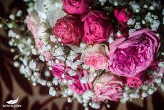 Hochzeit Wolfgangsee und Laimer Urschlag - Lisa & Chris - Foto Sulzer Blog Floral Wreath, Lisa, Wreaths, Blog, Decor, Pictures, Engagement, Couple, Floral Crown