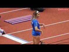 모래 바닦에 쓸려 올라가버린 숏팬츠.. 여자 멀리뛰기 선수 - YouTube