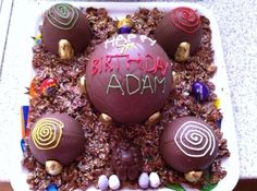 Easter Egg Pinata Cake 5 mini chocolate cakes hidden in easter eggs in a chocolate corn flake nest Mini Chocolate Cake, Pinata Cake, Corn Flakes, Cake Ideas, Easter Eggs, Cakes, Breakfast, Desserts, Food