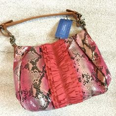 🌟HP🌟Simply Vera Wang Sunset Hobo Bag Handbag Brand new with tags! Retail $89. 810 Sunset Style HB12442-21 Ruffle Front Hobo Simply Vera Vera Wang Bags Hobos