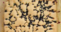 Dziś miałam ochotę na takie właśnie ciasto - szybkie w przygotowaniu, puszyste i z owocami. W zamrażalniku znalazłam resztkę zebranych w zes... Cookies, Desserts, Food, Recipies, Crack Crackers, Tailgate Desserts, Deserts, Biscuits, Essen