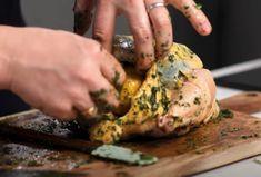 Trik, ako dokonale upiecť kurča: Jamie Oliver odhalil svoje tajomstvá | Info.sk Jamie Oliver, Turkey, Meat, Food, Turkey Country, Essen, Meals, Yemek, Eten
