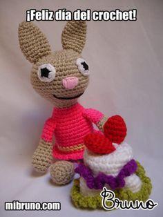Happy National Crochet Day!    ¡Feliz día del crochet!