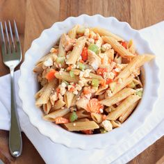 Salade de pâtes au poulet Buffalo...mettez du piquant dans votre assiette ! #salade #pâte #poulet #buffalo #piquant