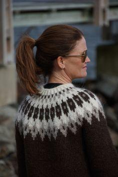 Icelandic sweater, handmade with Alafoss Lopi , 100 % Wool..