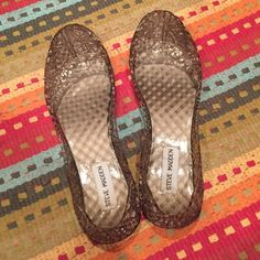 listing! Steve Madden Jelly Flats Think Spring! Comfortable and flexible! The shape allows them to bend with your every move. Steve Madden Shoes Flats & Loafers