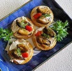 1000 images about food 30 minute meals snacks in for Smoked oyster canape