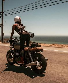 I wanna be free like the wind, beautiful like the nature, deep as the ocean and a badass like that bike !!!