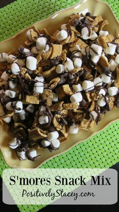 This S'mores Snack mix is down-right delicious! A perfect sleepover or anytime snack. snacks, S'mores Snack Mix Recipe Trail Mix Recipes, Snack Mix Recipes, Yummy Snacks, Yummy Food, Snack Mixes, Healthy Desserts, Appetizer Recipes, Yummy Recipes, Cookies