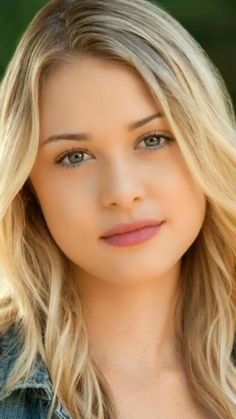 girl my liked color I dreamed to marry like this type of girl Beautiful Blonde Girl, Beautiful Girl Indian, Beautiful Girl Image, Cute Beauty, Beauty Full Girl, Beauty Women, Beauty Girls, Most Beautiful Faces, Beautiful Eyes