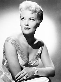 """Patti Page, '50s Pop Star, Dies at 85    Patti Page, one of the most successful pop stars of the '50s – famed for hits such as """"Tennessee Waltz"""" and """"How Much Is That Doggie in the Window?"""" – died on Tuesday in Encinitas, Calif., the New York Times reports. She was 85."""