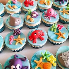 ideas for cupcakes anniversaire pate a sucre Sea Cupcakes, Themed Cupcakes, Birthday Cupcakes, Cupcake Party, Fondant Cupcake Toppers, Cupcake Cakes, Baby Shower Cakes, Octopus Cake, Ocean Cakes