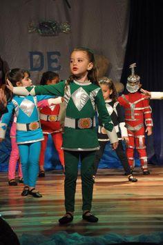 """Notícias - Com o tema """"Mundo de Criança"""", alunos do Projeto Cantar e Encantar se apresentam em Pinhais - Prefeitura de Pinhais"""