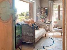 Bedroom in warm mediterranean tones