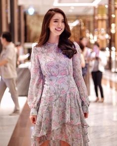 Thai Style, Style Me, Portrait Photography Poses, Fabulous Dresses, Beautiful Redhead, Ulzzang Girl, Fasion, Alice, Cute Outfits