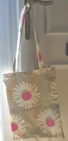 Check out this item in my Etsy shop https://www.etsy.com/uk/listing/523521179/daisy-gerbera-tote-bag-shopping-bag