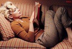 Michelle Williams styled as Marilyn Monroe