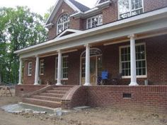 FRONT PORCH STEPS | the beautiful front steps not too many steps at all
