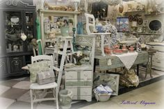 antique mall booth display ideas | Display Ideas | ok here is my booth at a unique house antique mall ...
