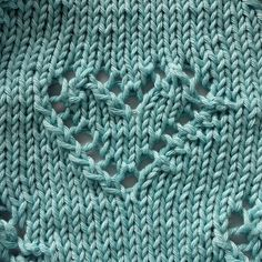 I've realized some baby blanket with the perfect heart and I hope you like that I give you the pattern! O = 1 yarn around needle\ = = slip one, 1 knit, pass the sl Knitted Heart, Knitting Patterns, Crochet, Blog, Cotton, Inspiration, Blankets, Iron, Costumes