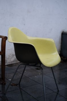 Charles et Ray EAMES - Herman miller - DCM Chair - Orange