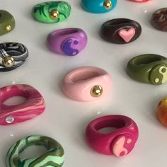 Clay Art Projects, Clay Crafts, Diy And Crafts, Arts And Crafts, Fimo Ring, Polymer Clay Ring, Funky Jewelry, Cute Jewelry, Diy Clay Rings