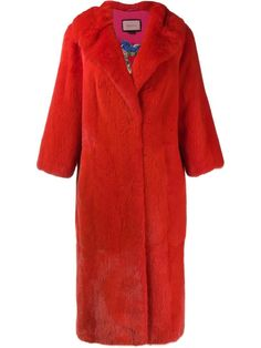 Give your look a decadent twist with the women's fur coats edit at Farfetch. Find women's shearling coats and designer fur coats right here. Gucci Coat, Gucci Gucci, Shearling Coat, Fur Coat, Polyvore Outfits, Polyvore Fashion, Red Fur, Cold Weather Outfits, Wraps