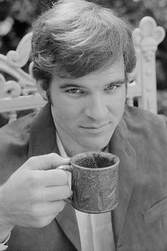 Steve Martin is having a cup of tea Coffee Art, My Coffee, Coffee Time, Coffee Cups, Tea Cups, Tea Time, Drink Coffee, Steve Martin, People Drinking Coffee