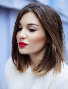 In this post we are going to show you Fabulous Middle-Length Hairstyles To Copy This Spring.